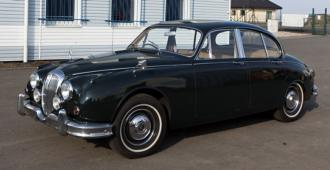 Daimler V8 250