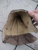 Stylová stará kožená kukla na veterána