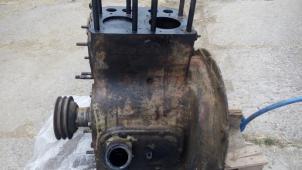 Prodám blok motoru Zetor 25 A/K s klikovým mechani