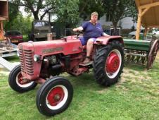 traktor Farmall 1958 Anglicke znacky nove pneumati