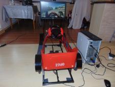 Minisimulátor historické autíčko červené